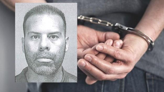 Arrestado por supuestamente agarrar glúteos de dos víctimas