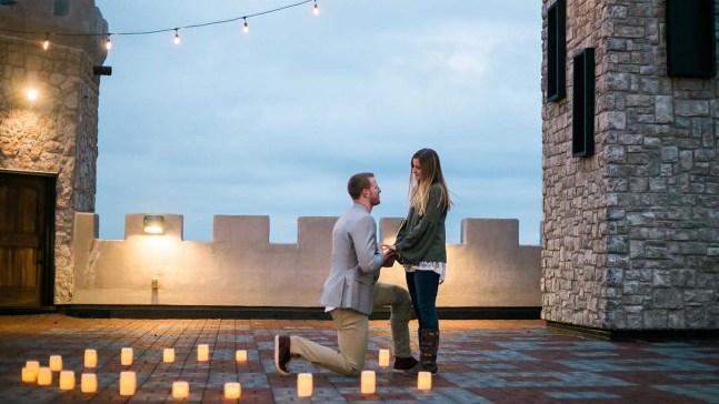 Triunfante propuesta matrimonial para Carson Wentz