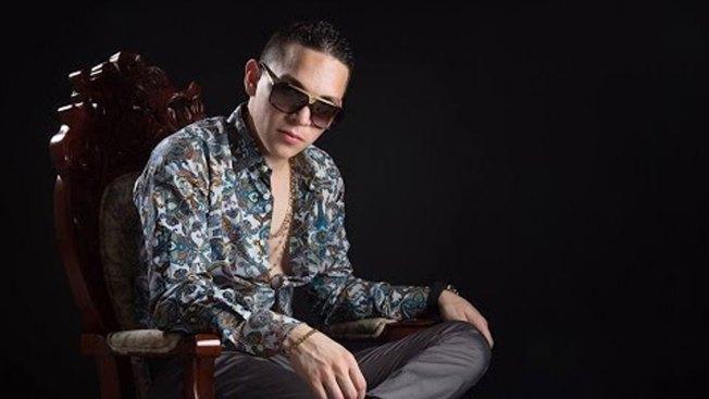 Cantante Javier Rosas delicado tras 20 balazos