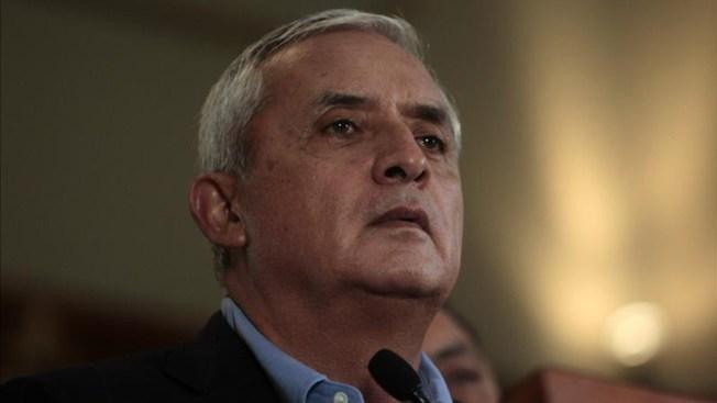 Juez dicta prisión provisional para Pérez Molina