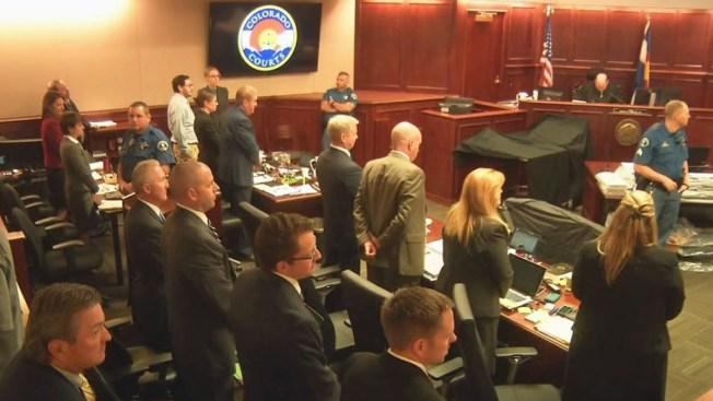 Jurados, víctimas escuchan cierre de argumentos