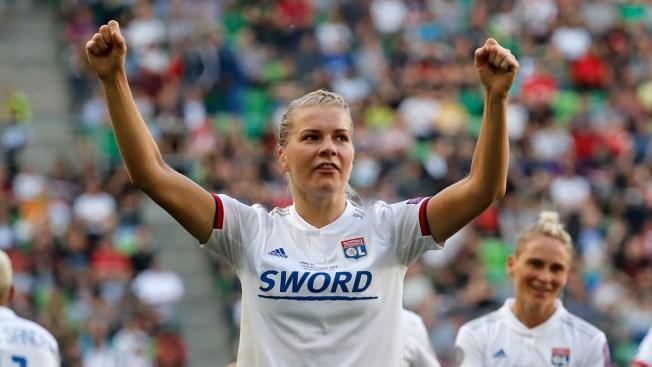 Isabell Herlovsen cobra penal y anota segundo gol para Noruega