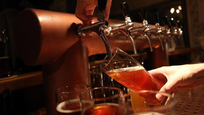 Festival nudista de cerveza en los Poconos