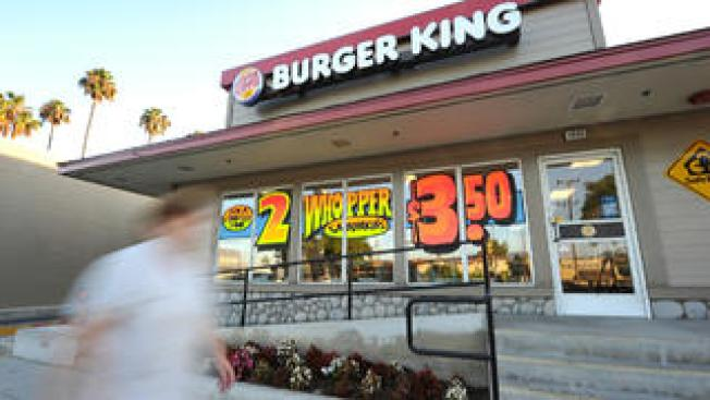Cerdito le roba el show a Burger King