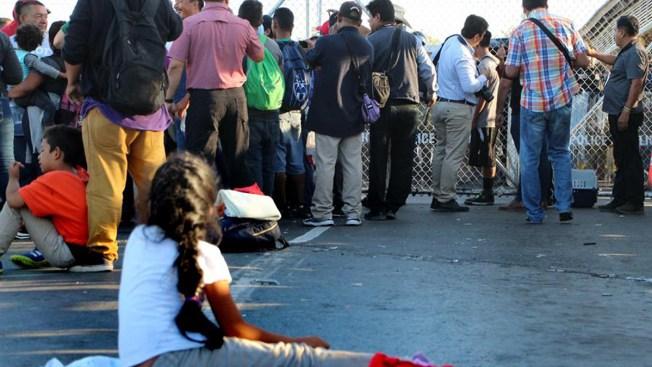 Inmigrantes en vilo tras bloqueo a la regla de carga pública