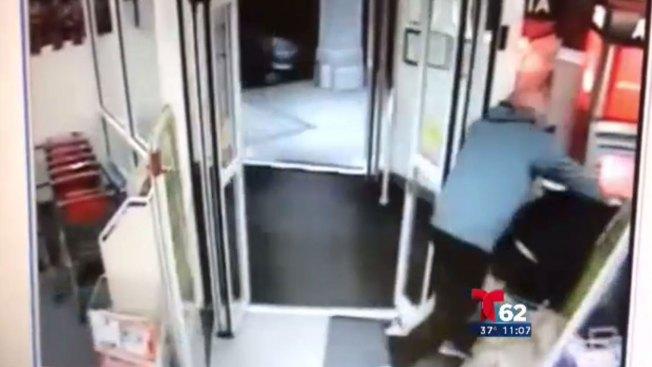 Vídeo capta a policía e hijo deteniendo a ladrón
