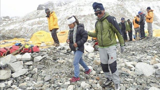 Continúa en Nepal el rescate de montañistas