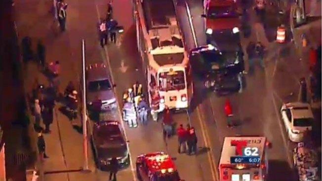 Choque de carro y tranvía en Filadelfia