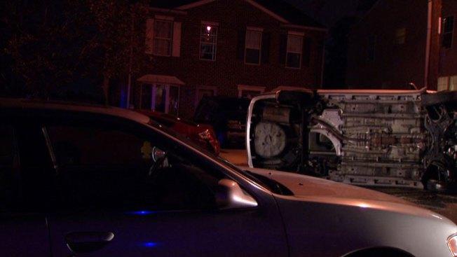 Mujer muere tras estrellar su auto