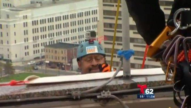 ¡Nutter bajó 31 pisos con viento intenso!