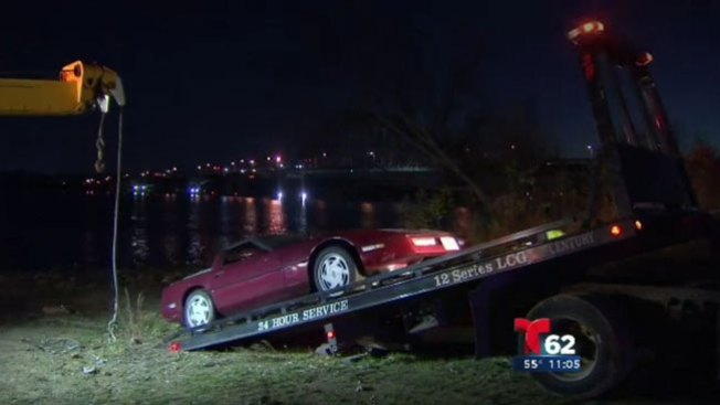 Había amenazado con lanzar carro al río