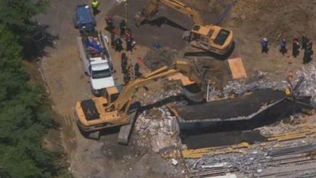 Un muerto tras colapso de edificio