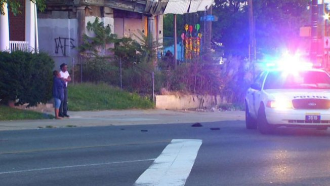 Muere mujer impactada por dos autos