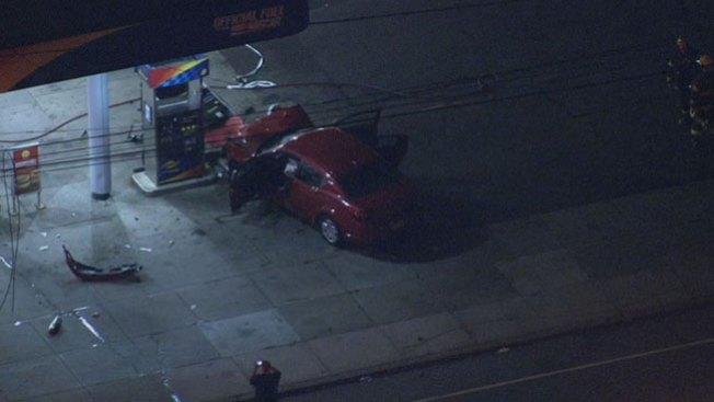 Mujer herida tras impactar gasolinera