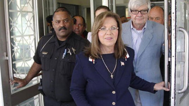 Le evitan otro bochorno a jueza corrupta