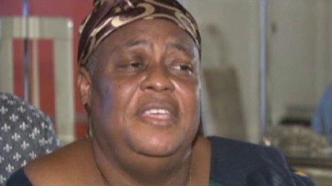Llora la muerte de dos hijos por el ébola