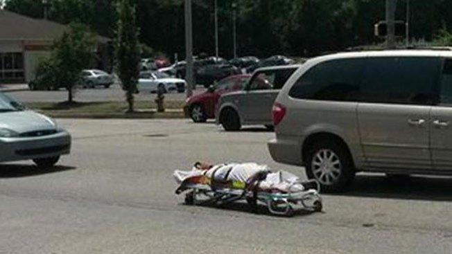 Cadáver interrumpe el tráfico