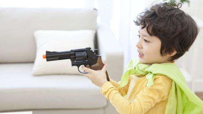 Prohibirán venta de pistolas de juguete