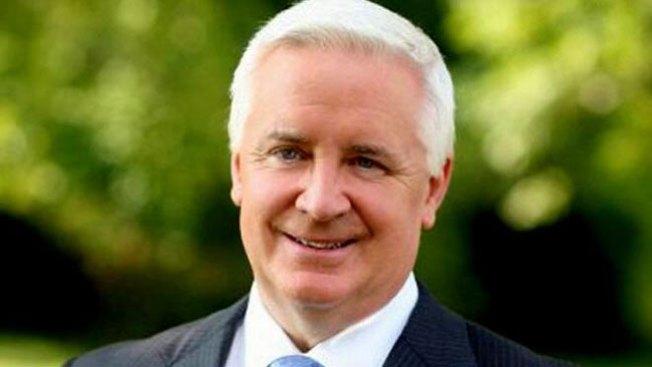 Corbett le quita dinero a la legislatura