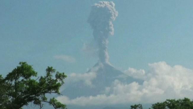 Volcán de Colima mantiene alerta a autoridades