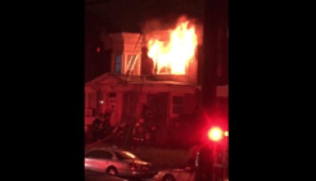 Incendio consume varias residencias en Olney