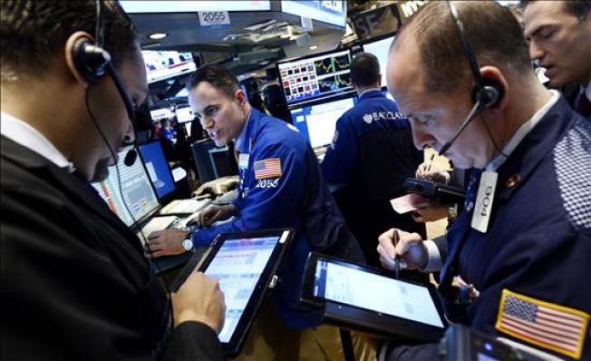 Viernes negro: Dow Jones cae más de 500 puntos