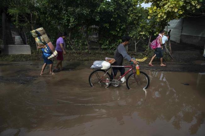 Al menos 12 muertos y miles de afectados deja un temporal en Centroamérica