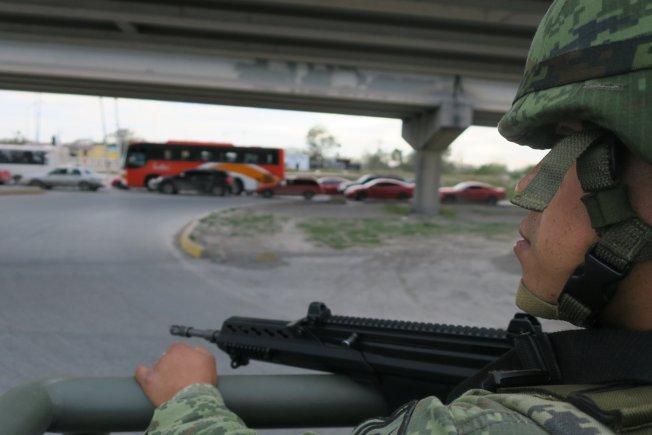 """Abaten a jefe de seguridad de la familia de """"El Chapo"""""""